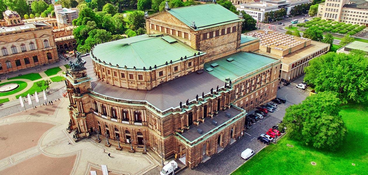 Semperoper in Dresden aus der Vogelperspektive
